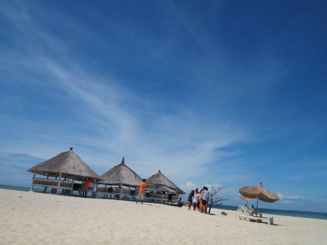 パンダノンはマクタンから一番遠い島で、1時間と少しかかりボホール島の近くにあります。